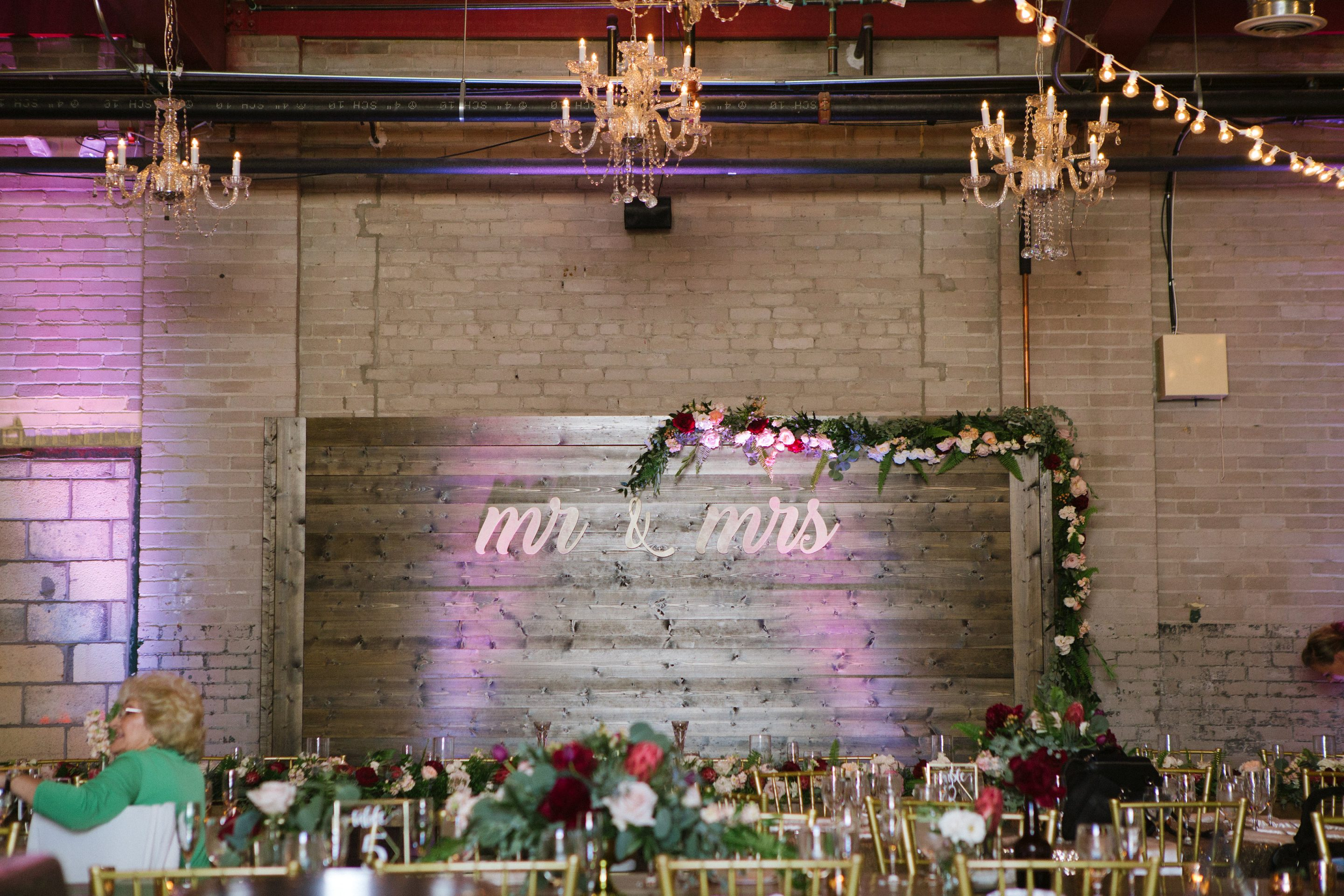 Wood Backdrop Wedding Wall Detroit Chiavari 3