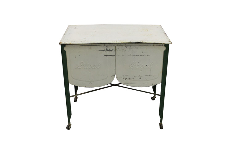 Antique Cooler Detroit Chiavari 1