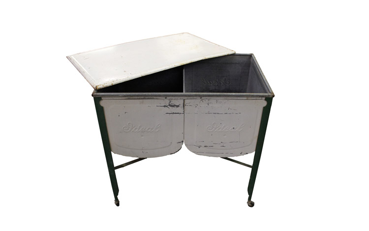 Antique Cooler Detroit Chiavari 2