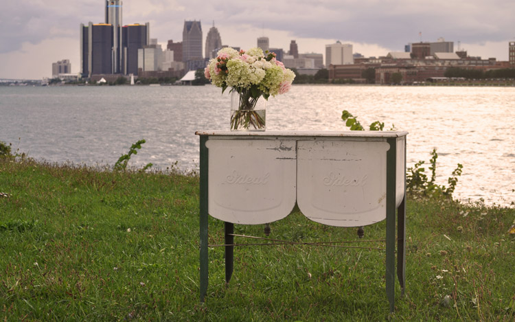 Detroit Chiavari Antique Cooler