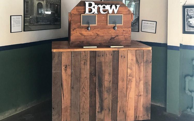 Detroit Chiavari Beer Tap Bar 4