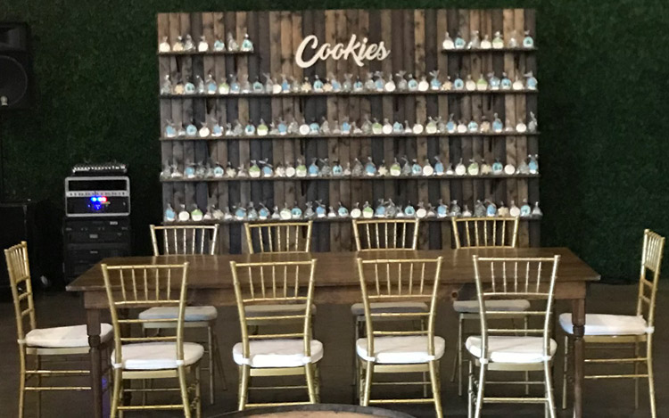 Donut Wall Detroit Chiavari Detroit Wedding 4