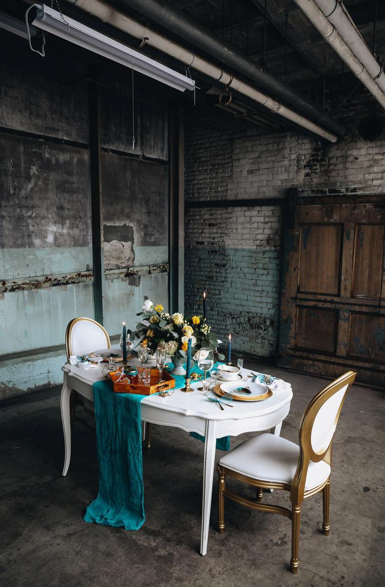 Gold Louis Pop Chair Detroit Chiavari Chettara T. Photography 2