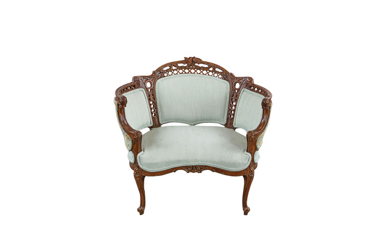 Short Victorian Chair Detroit Chiavari Front